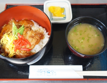 てり焼き丼 ¥750