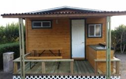 camp_cabin_img1
